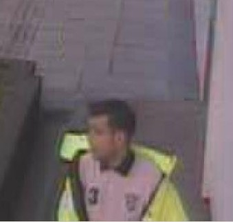 Police issue CCTV following bogus workman incident