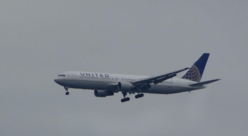 United Airline planes makes emergency landing at Edinburgh airport
