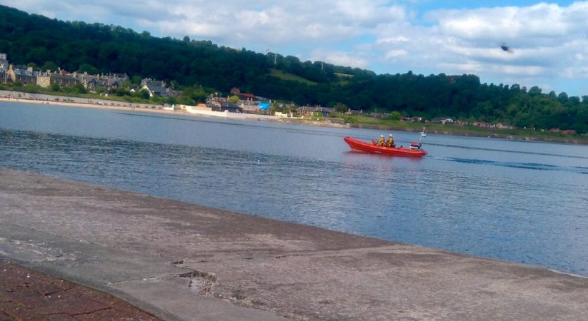 Lifeboat crew called out after car plunges into water at Burntisland beach