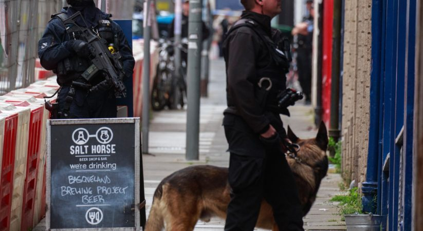 Armed police close Blackfriars Street